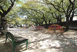 小頭町公園/約1,150m(車で2分)